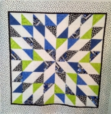 Music in Blue, made by Jeannine B., quilted by RM 2017