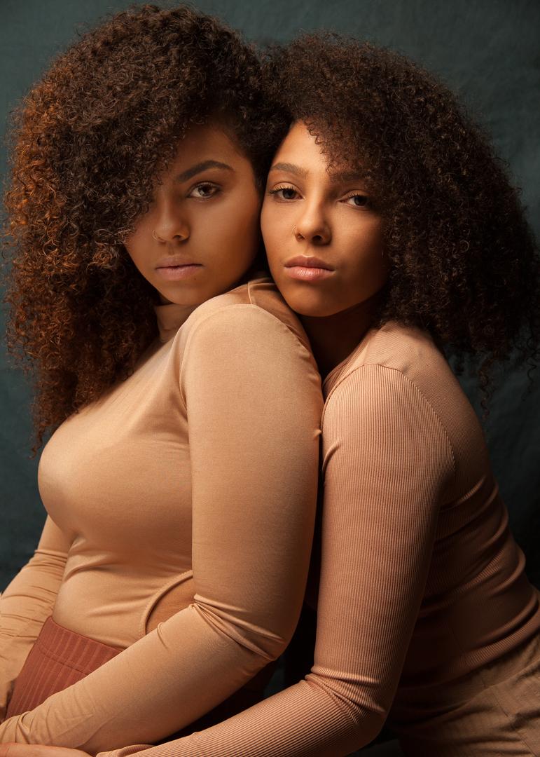 Sisters_1_Dong1080-1.jpg