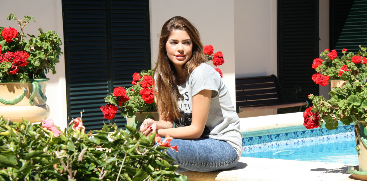 Gabriela Merino summer look