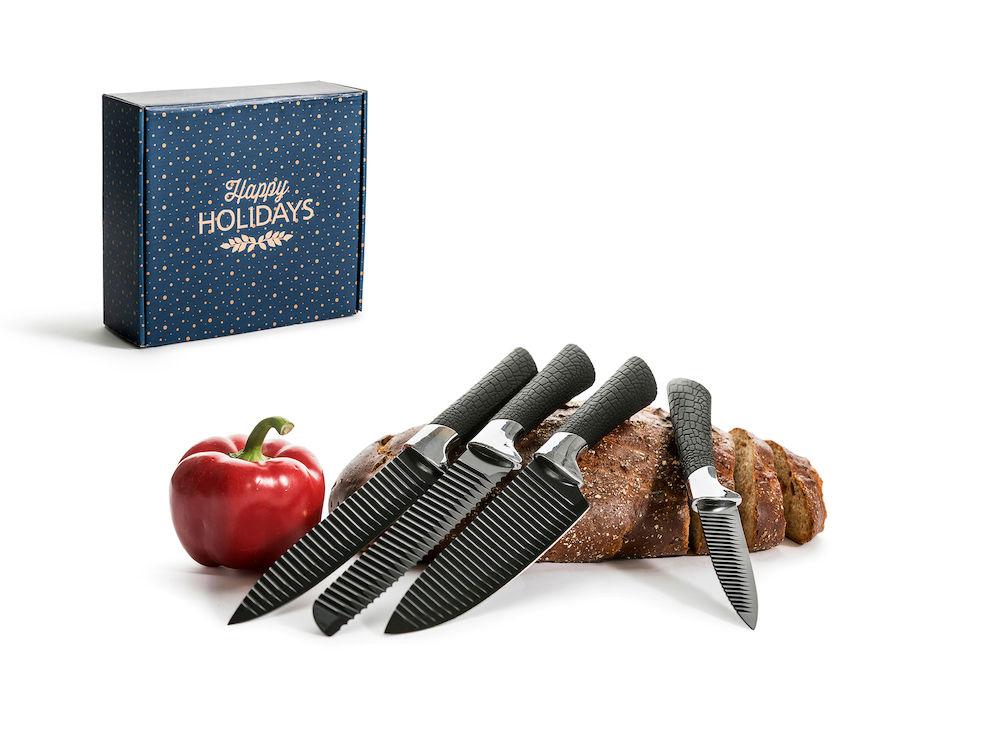 Knivsett - Stilfulle kniver med god funksjon. Non-stick behandling og riflet blad slik at maten ikke fester seg.Fra Sagaform360,-