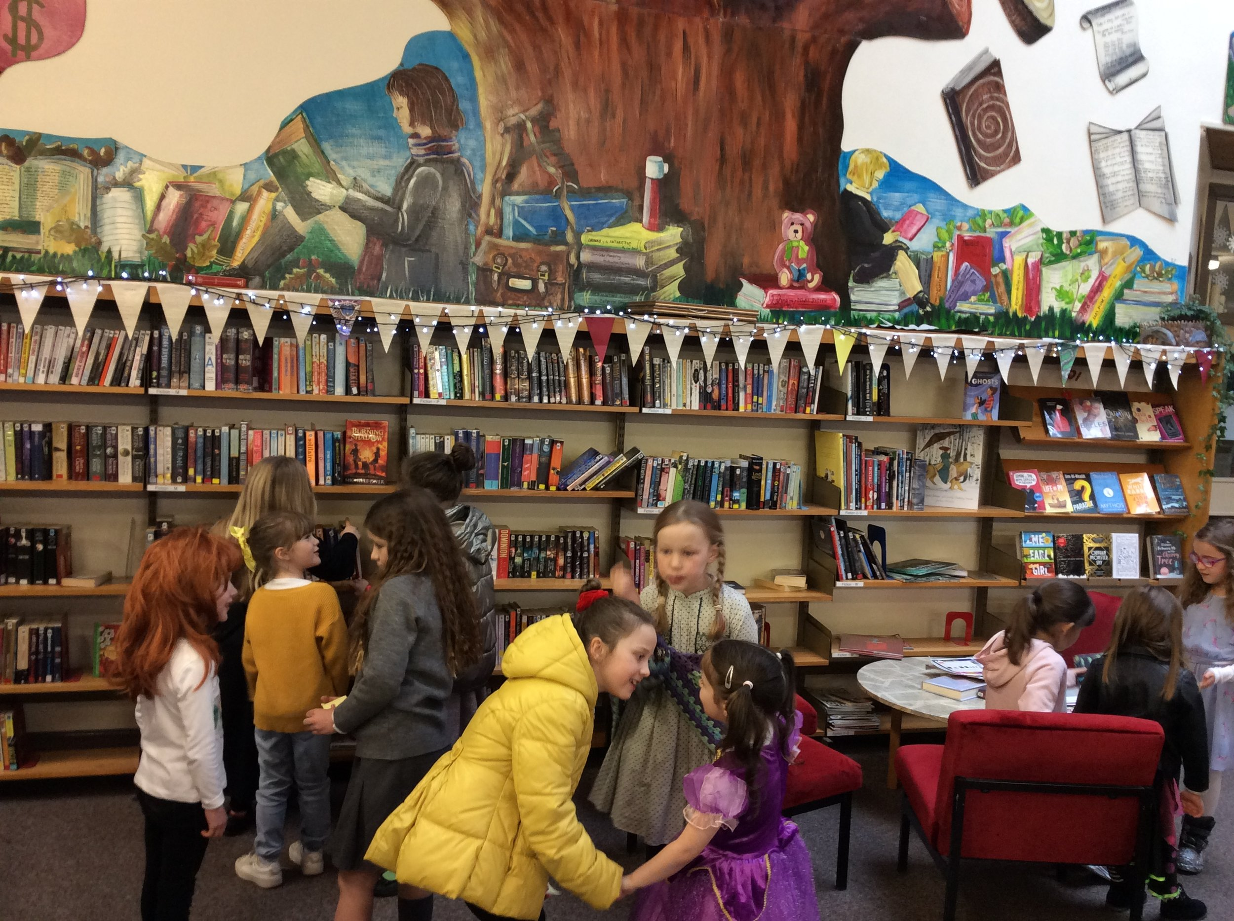 P1 and P4 library visit.JPG