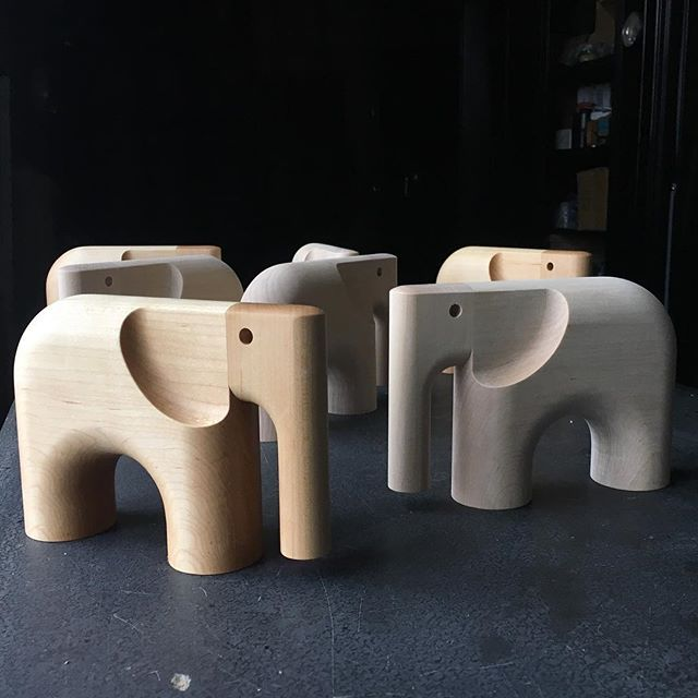 🐘🐘🐘🐘🐘 Building the ark with @harold_design - - - #nycdesign  #woodanimals #woodtoys #woodelephant #elephanttoy #designertoys
