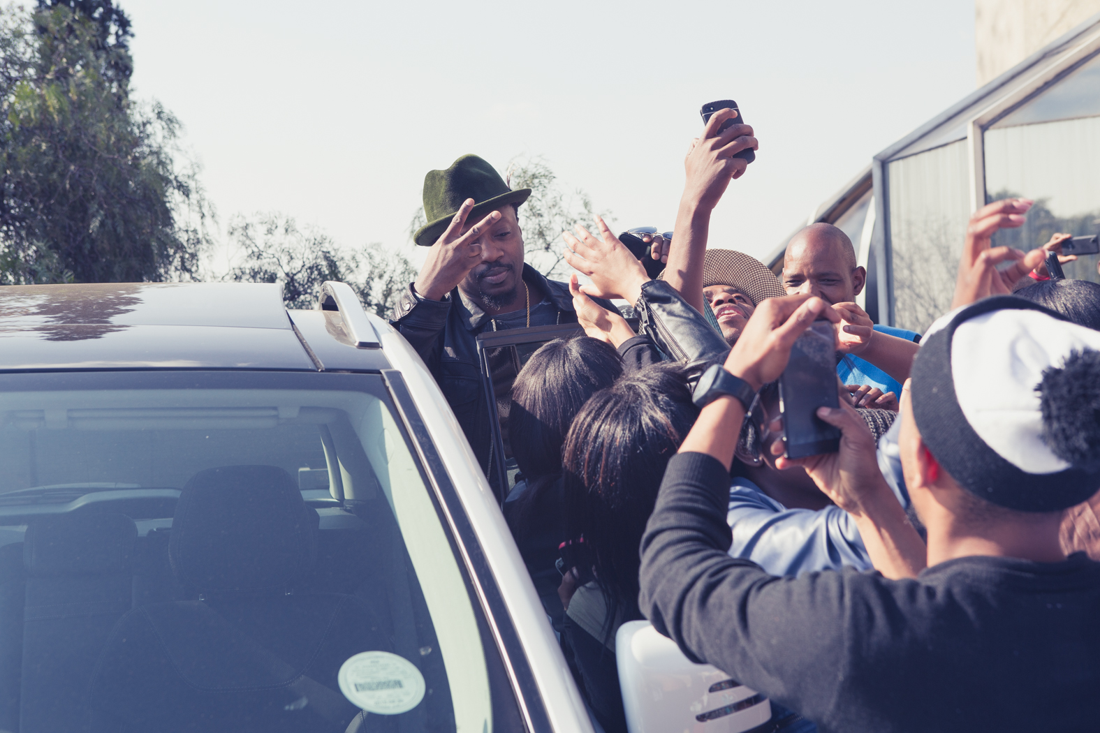 Anthony Hamilton is swarmed by fans after in interview in South Africa