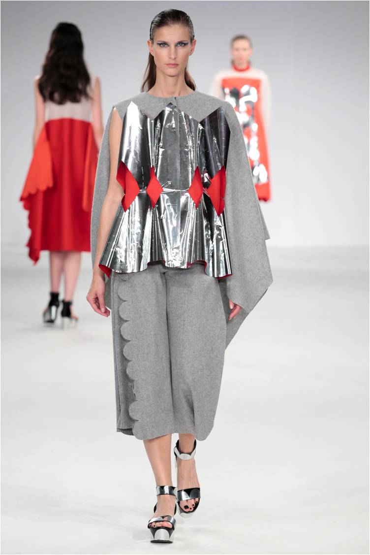 Lavinia Cadar - Commedia dell'Arte AW1516 mirror cape jacket and culottes.jpg