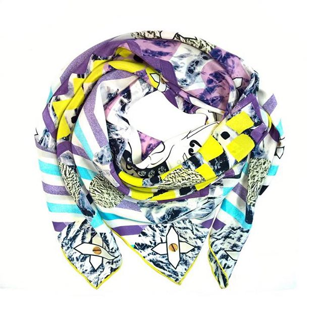 Are you in love with this seasons' trends full of bright prints and exotic details? Lemon yellow and textured purple are our favorite choice right now #laviniacadar #silkscarvesuk #laviniacadarscarves #giftforherideas #giftforher