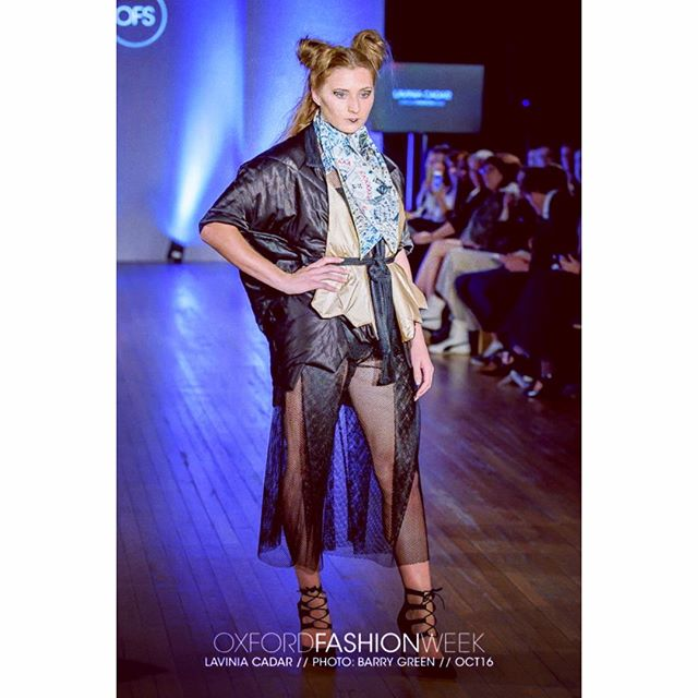 Black mesh culottes look #laviniacadarscarves #silkscarvesuk #giftforherideas #londonfashion #laviniacadar