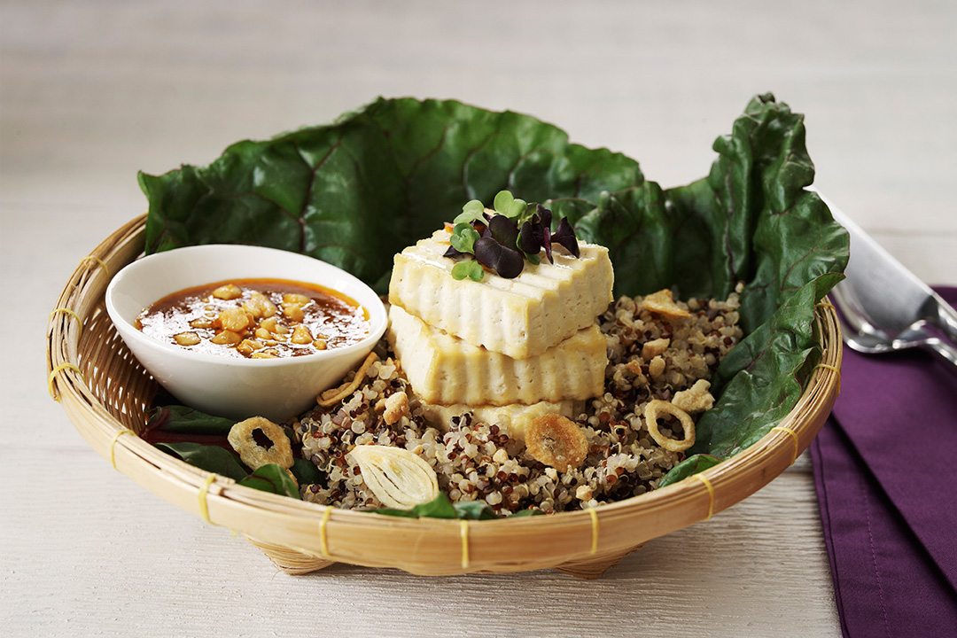 Grilled Tofu with Quinoa and Peanut Sauce