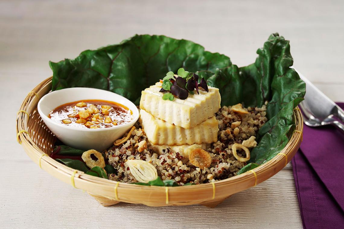 Tofu with Quinoa & Peanut Sauce