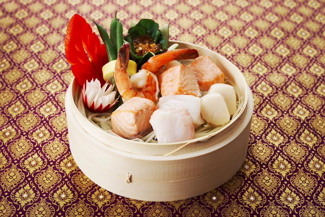 Steamed Seafood with Peanut Sauce
