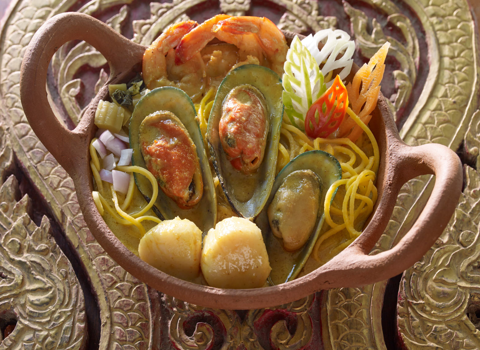 Butternut Squash Noodles with Seafood and Yellow Curry.jpg