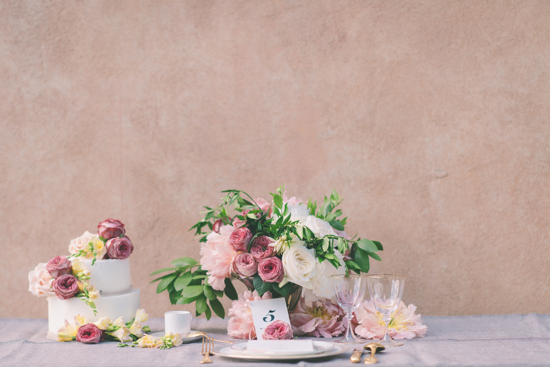 Styled shoot Villa Vignamaggio - Featured on Burnetts Boards