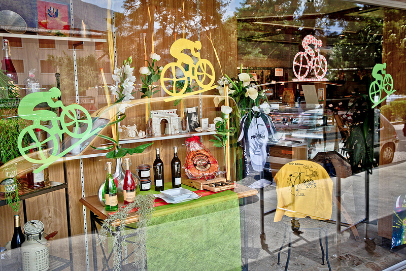 Dress up your shop, pub, cafe or bar window