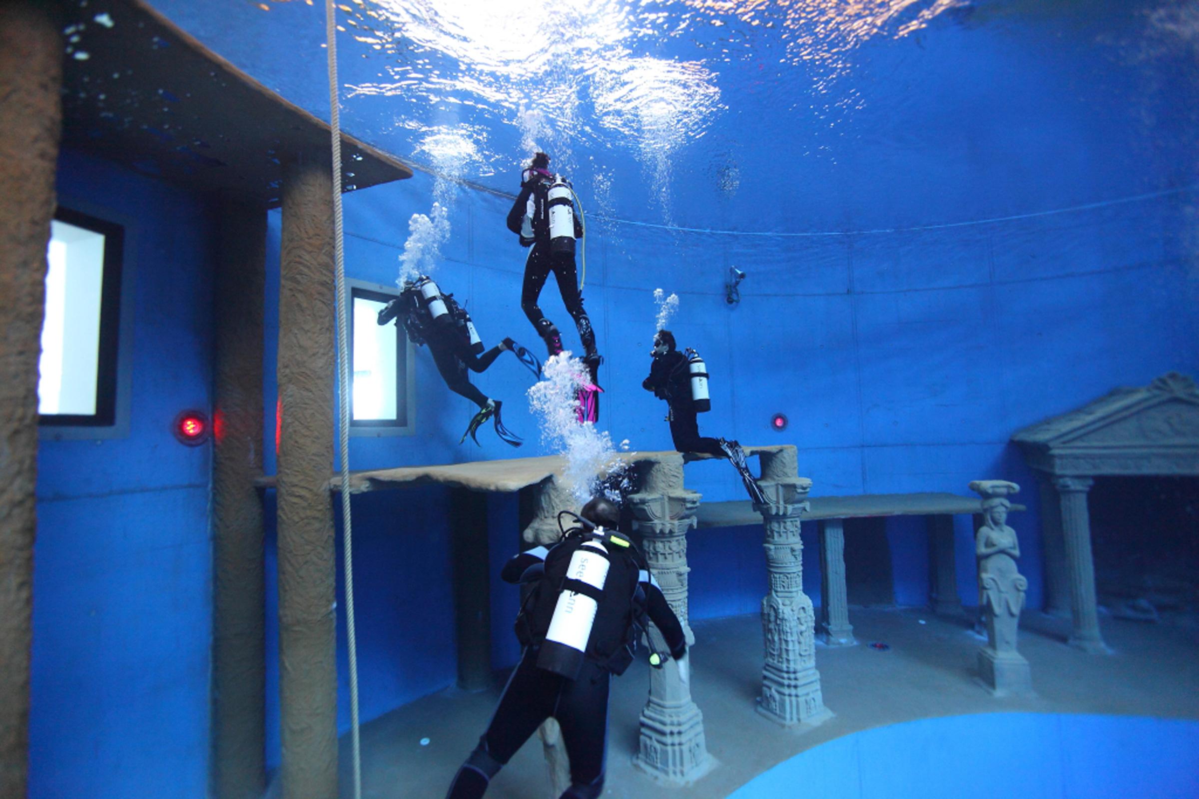 Europas größtes Indoor Tauchzentrum im Oktopus Siegburg