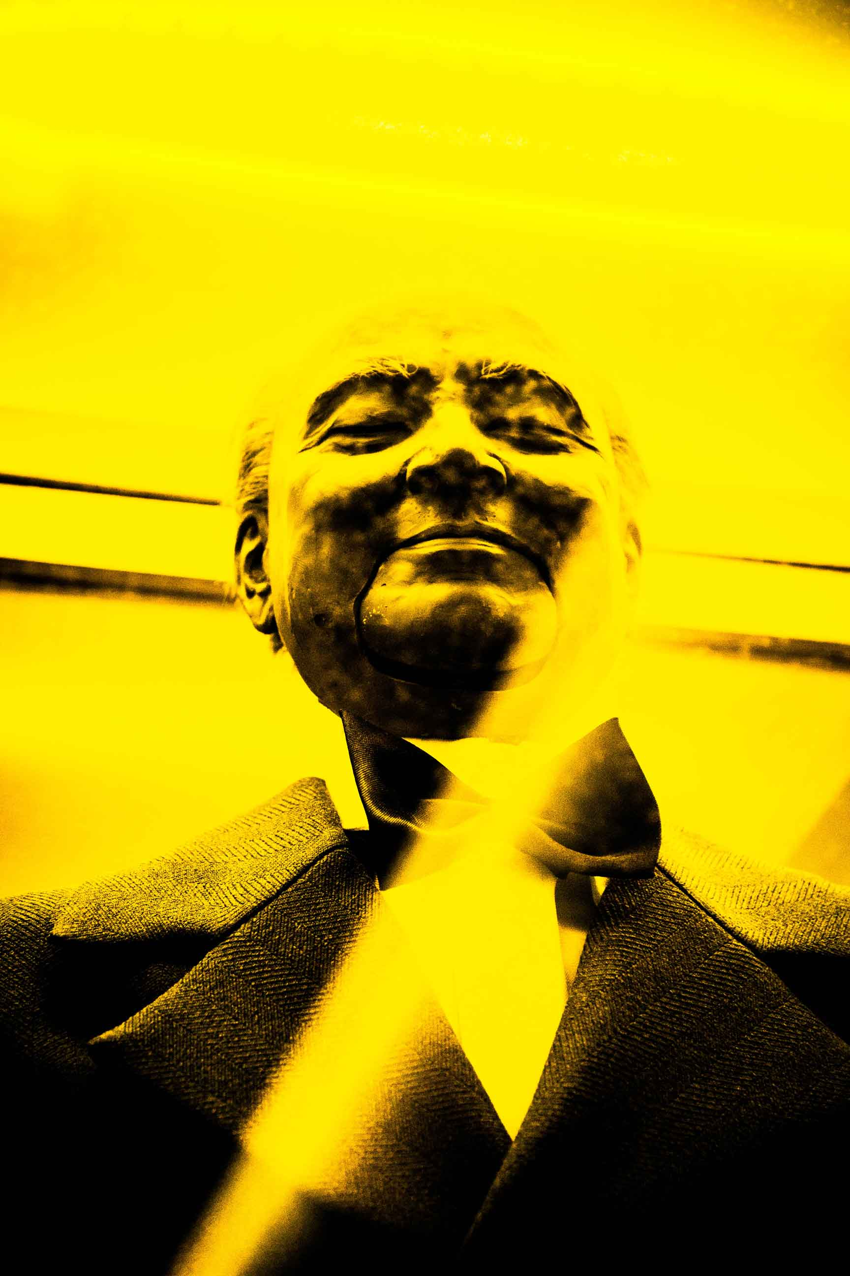 Yelow Churchill