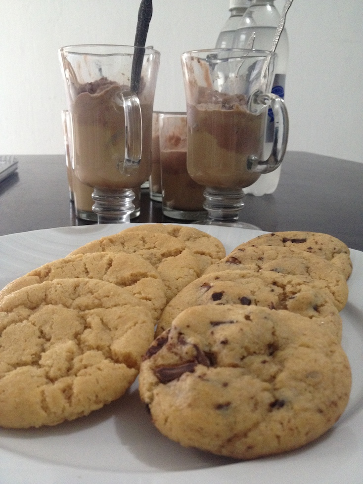 mocha floats and cookies