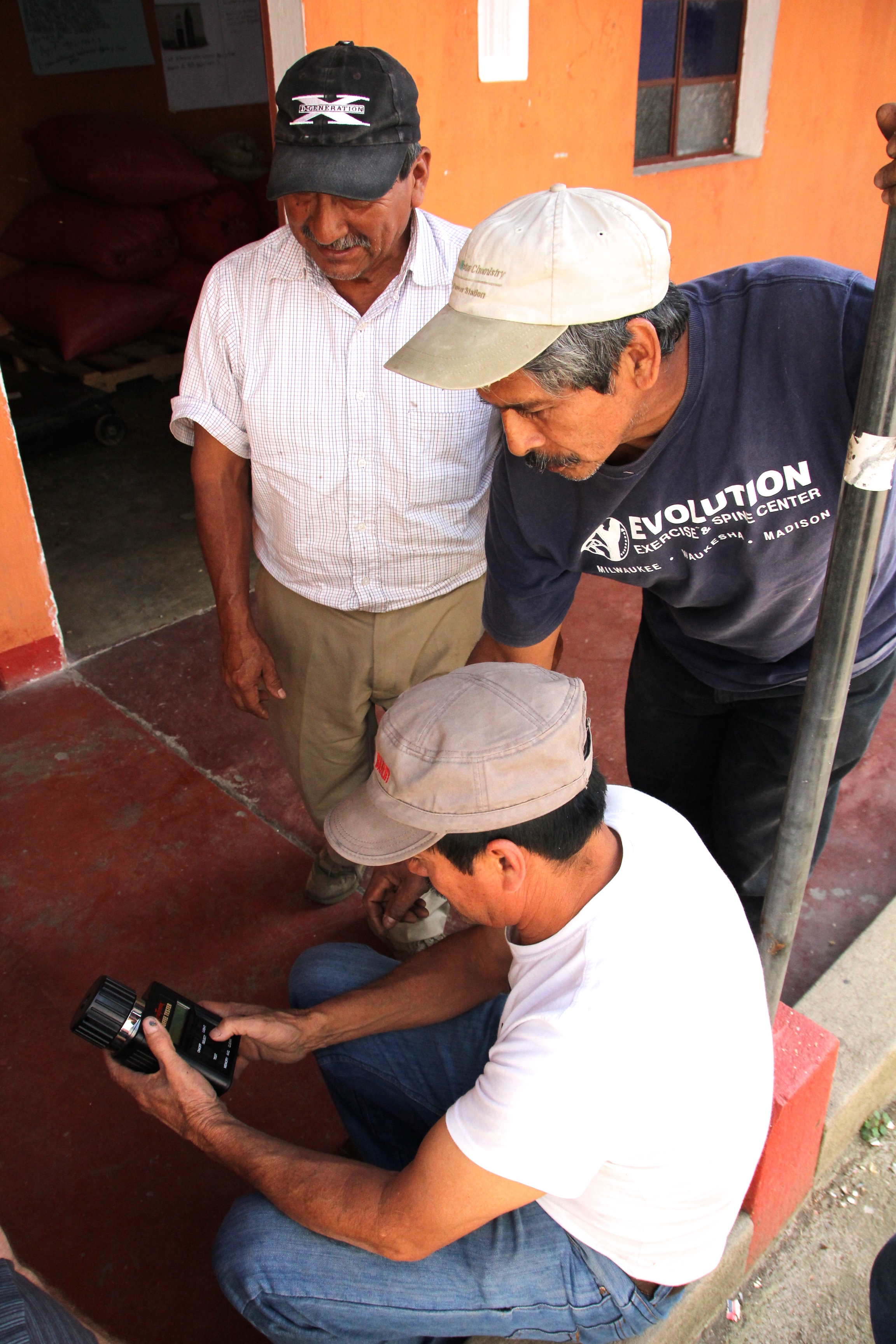 Timoteo testing the beans from Santa Anita with Rigo & Mincho