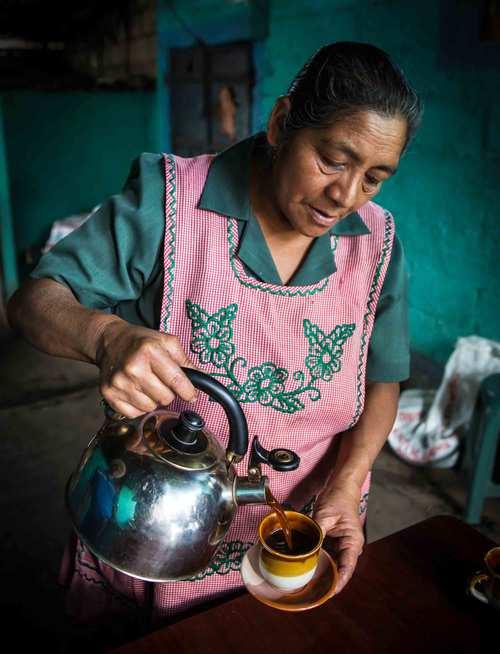 Amelia-pouring-coffee-2.jpg