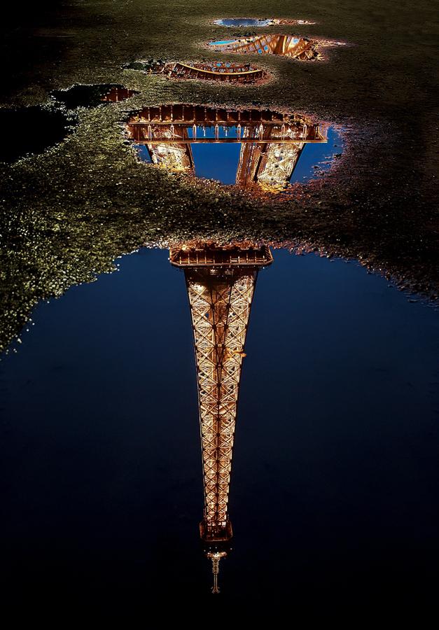 eiffel tower reflection.jpg