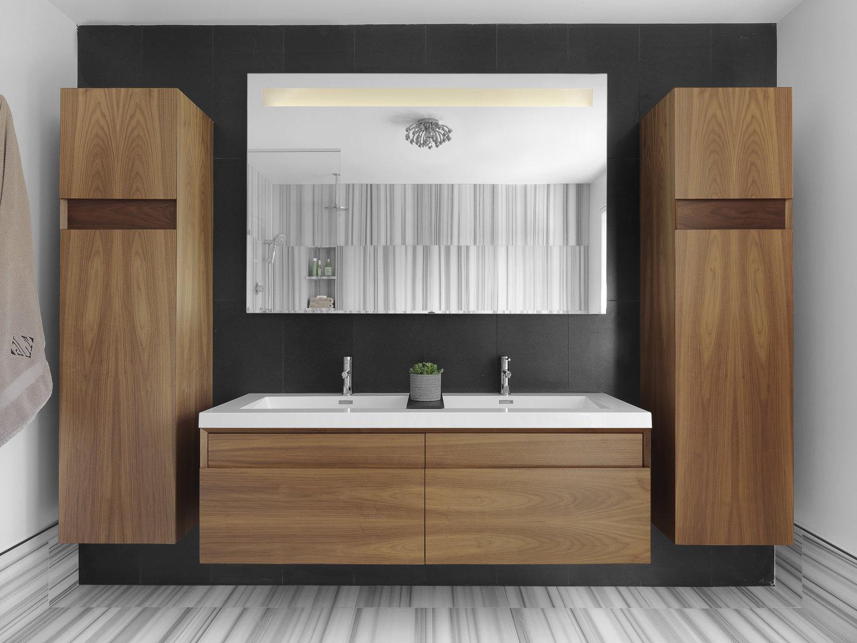Hall+Bath.jpg