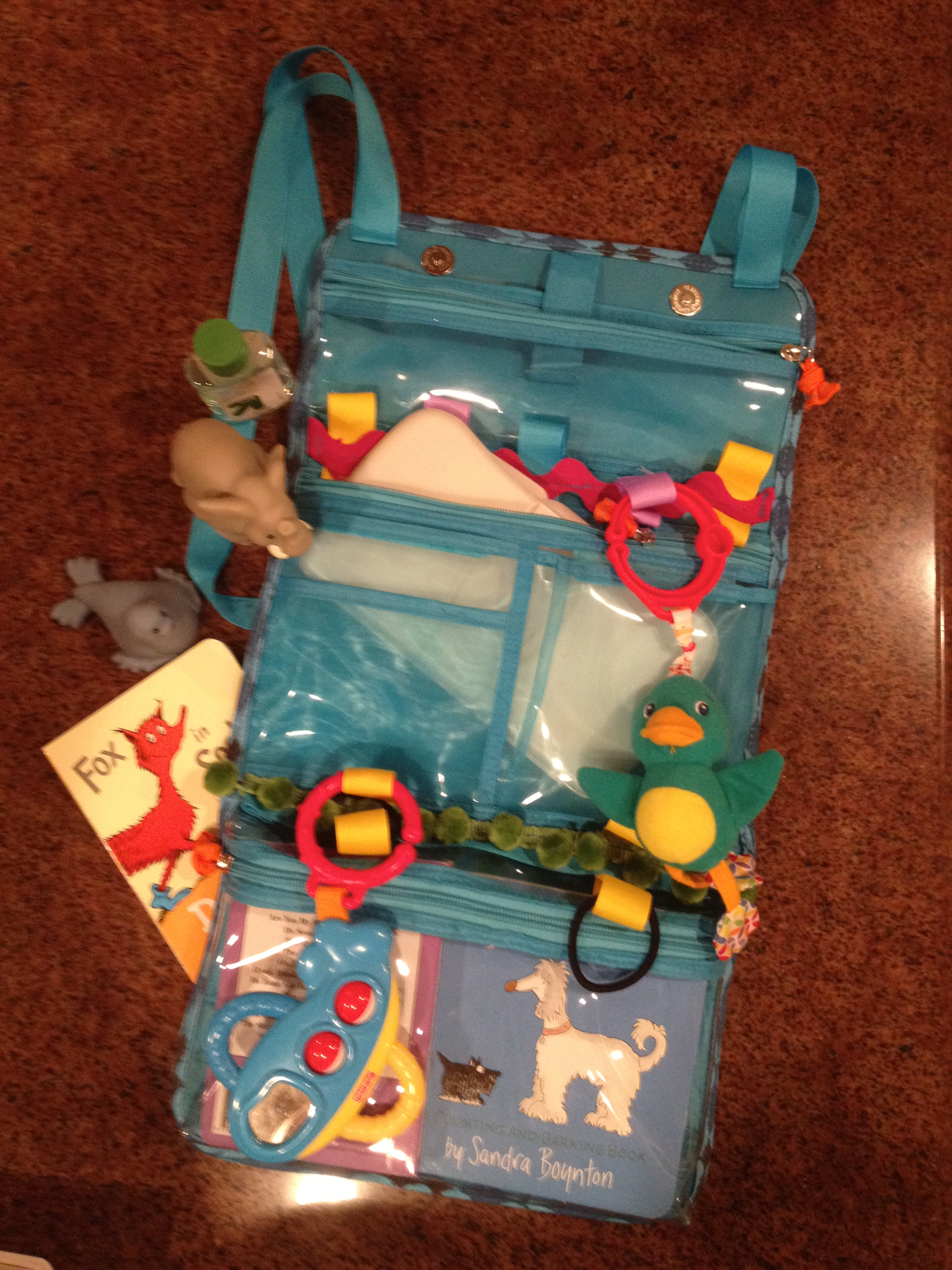 Travel organizer for babies and toddlers