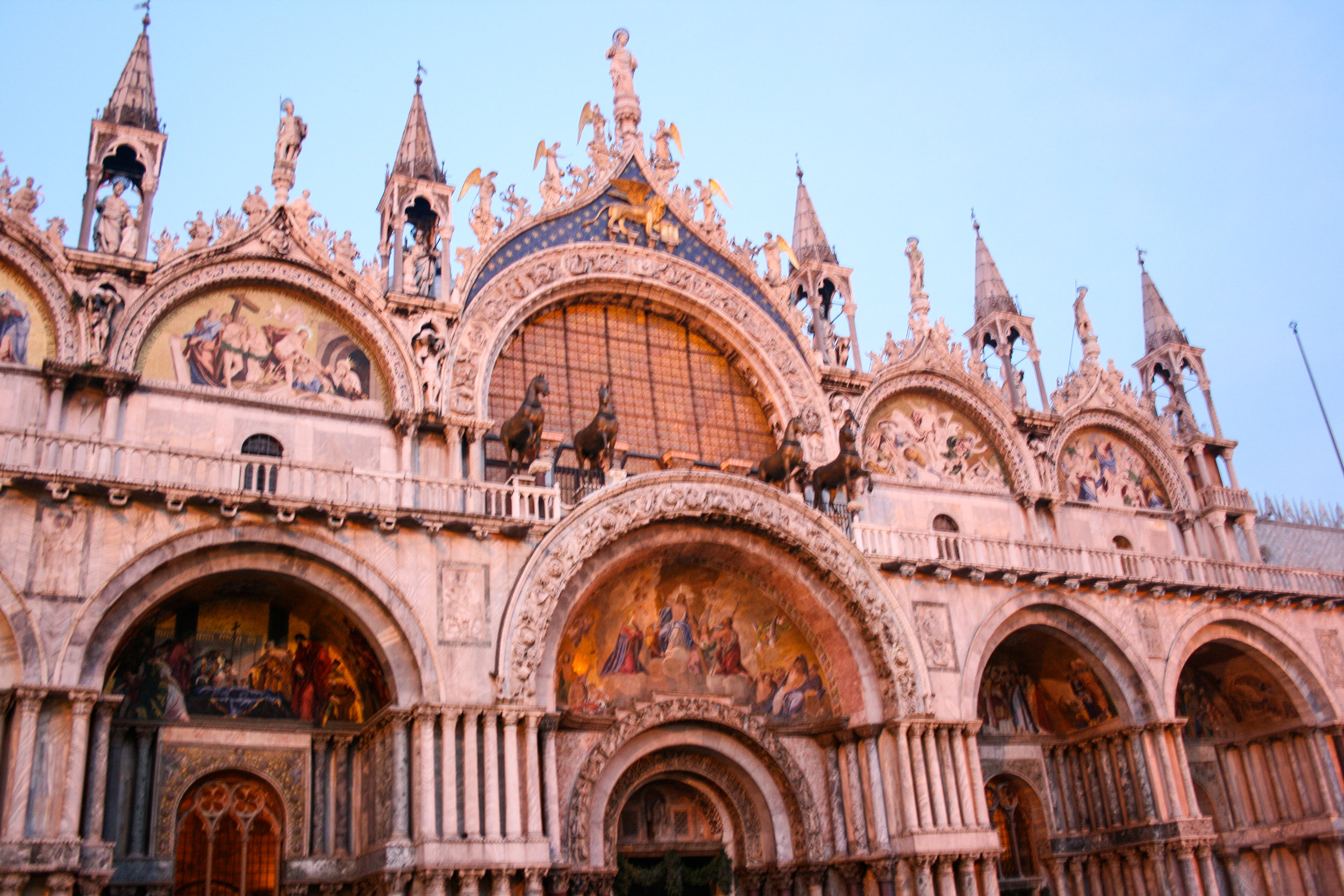 The mosaics and four golden horses at the entrance of San Marco