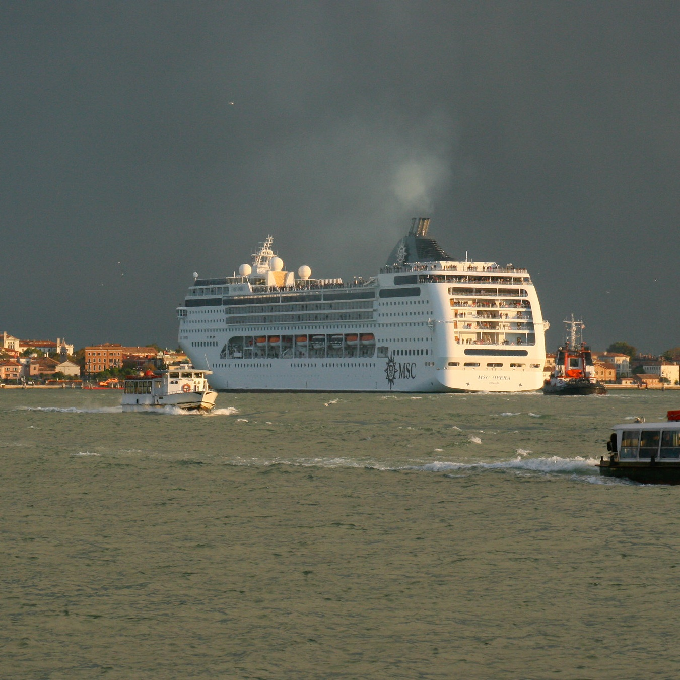 Cruise Ships & Venice - Why are they controversial?