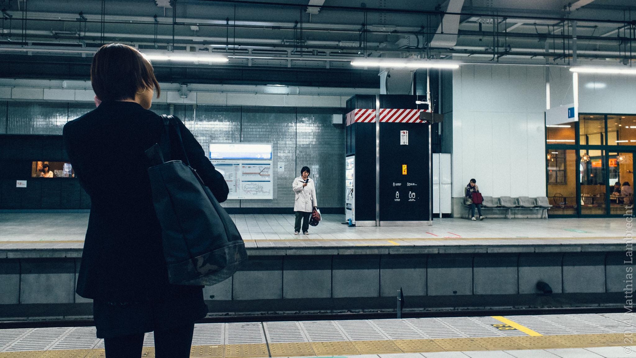 commuters・通る人 (x)
