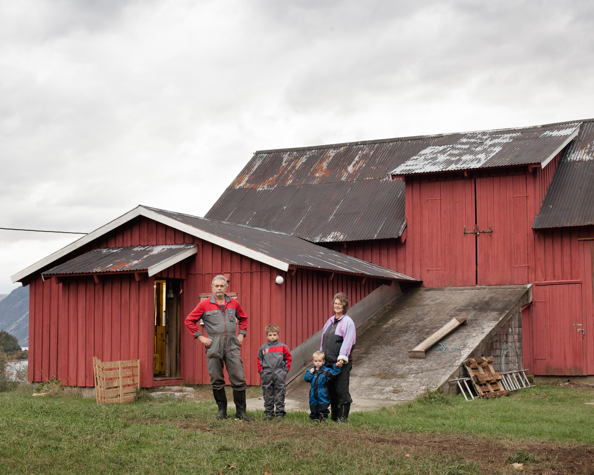 Grandparents with grandsons. Currently four generations of this family live in the valley of Vikadalen.