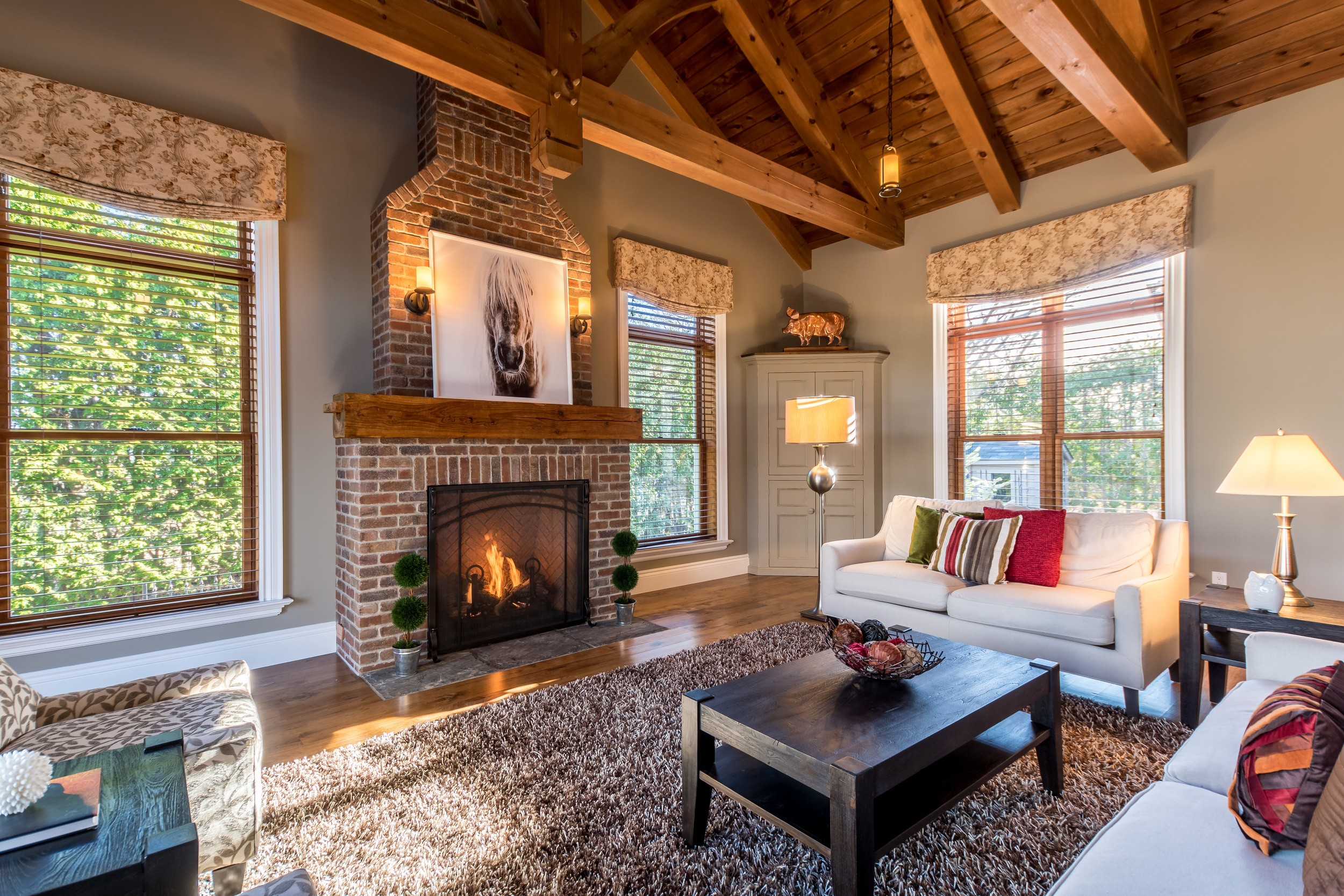 The ultimate Family Room, vaulted ceiling and exposed beams