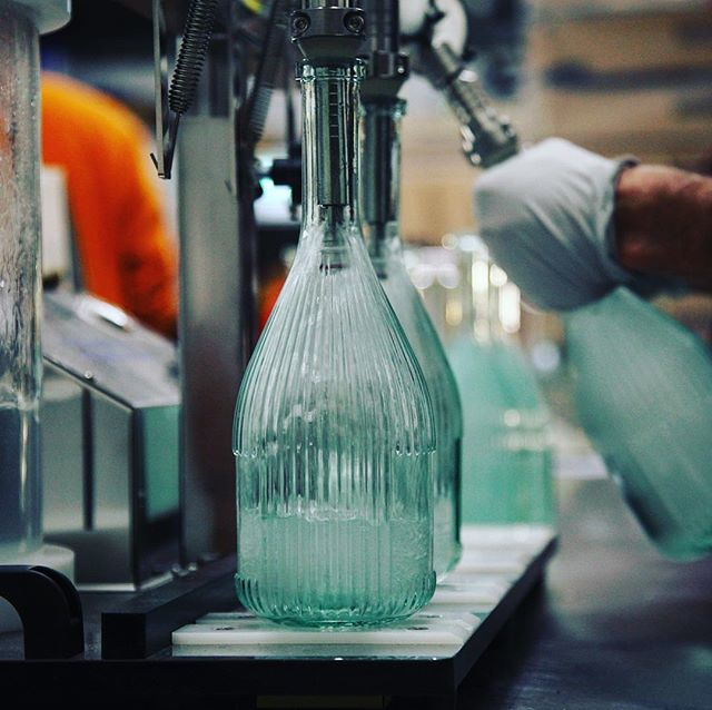 Good morning from The Tower Street Stillhouse in Leith where we're about to start bottling another delicious batch of @lindandlimegin - need more coffee first. And biscuits.  #distillery #ginandtonic #ginlover #gin #leith #edinburgh #scotland #scottishgin #leithdistillery #lindandlime