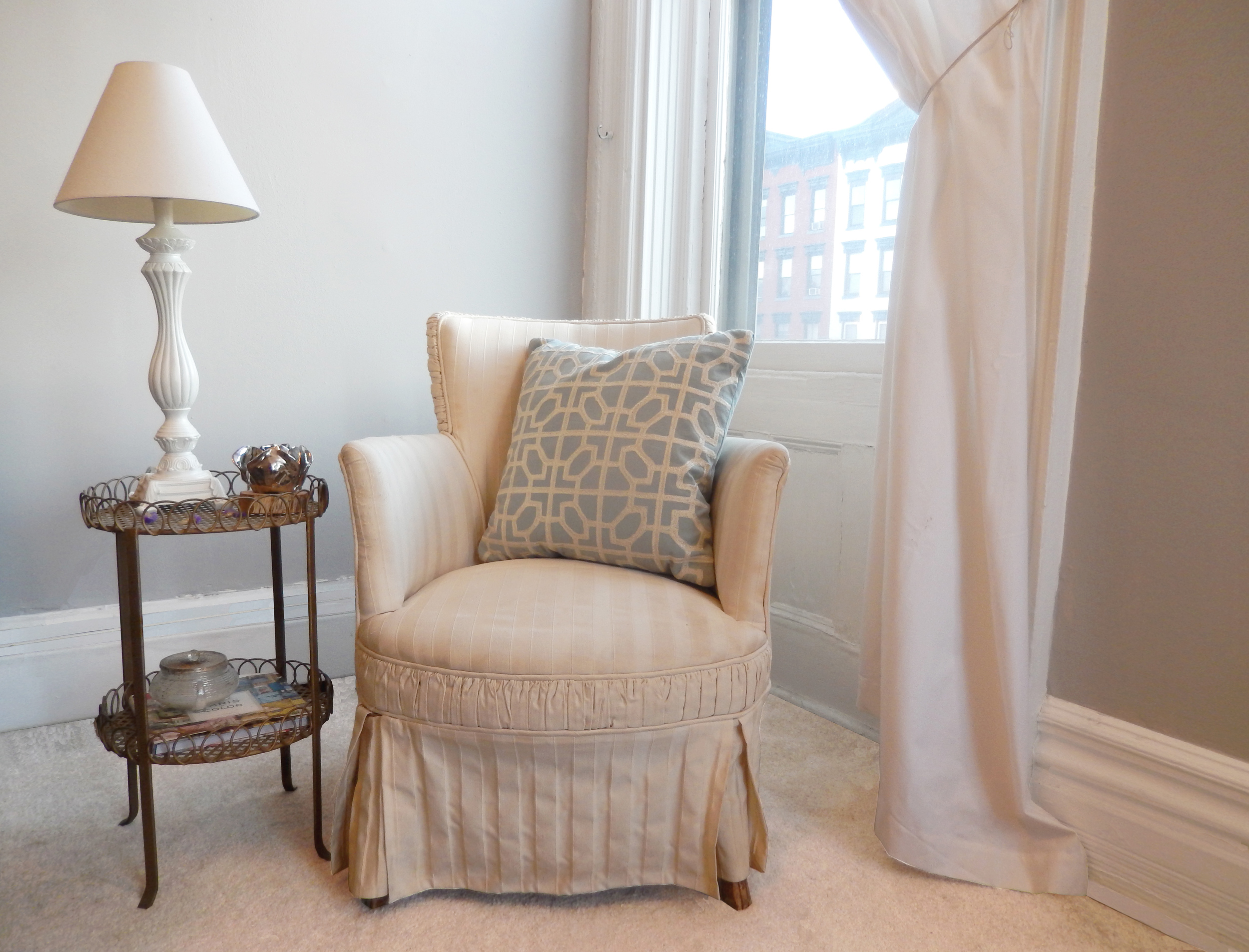 apartment pieces. accent chair. color me quirky