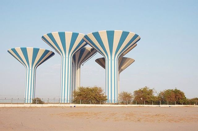 Kuwait Water Towers, 1976 | co. @duststormq8