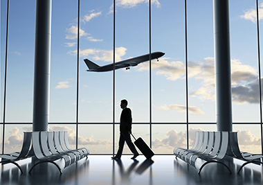 AVIATION_stock-photo-29158924-businessman-in-airport.jpg