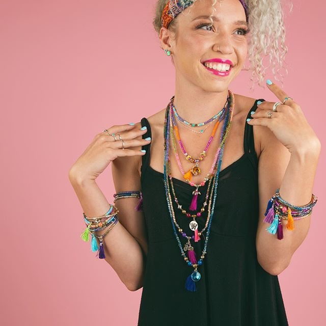 🌸Pink Inspiration🌸  Model @erynnandsuch  Style @bead_bottle  Photo @robertimesa  Make up @katamakeup  #diyfashion #diygram #yogajewelry #pbd #summerjewelry #lifestylephotography #beadbottle #beadbottlecollection #diynetwork #pink #lovepink #greatideas