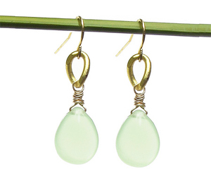 jewelry-earrings-handmade-eco-friendly-gold-green