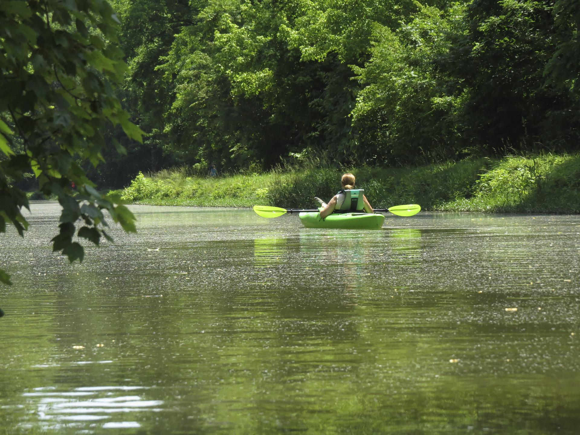 kayaking-potomac-river-maryland-water-nature-outdoors-kayaking