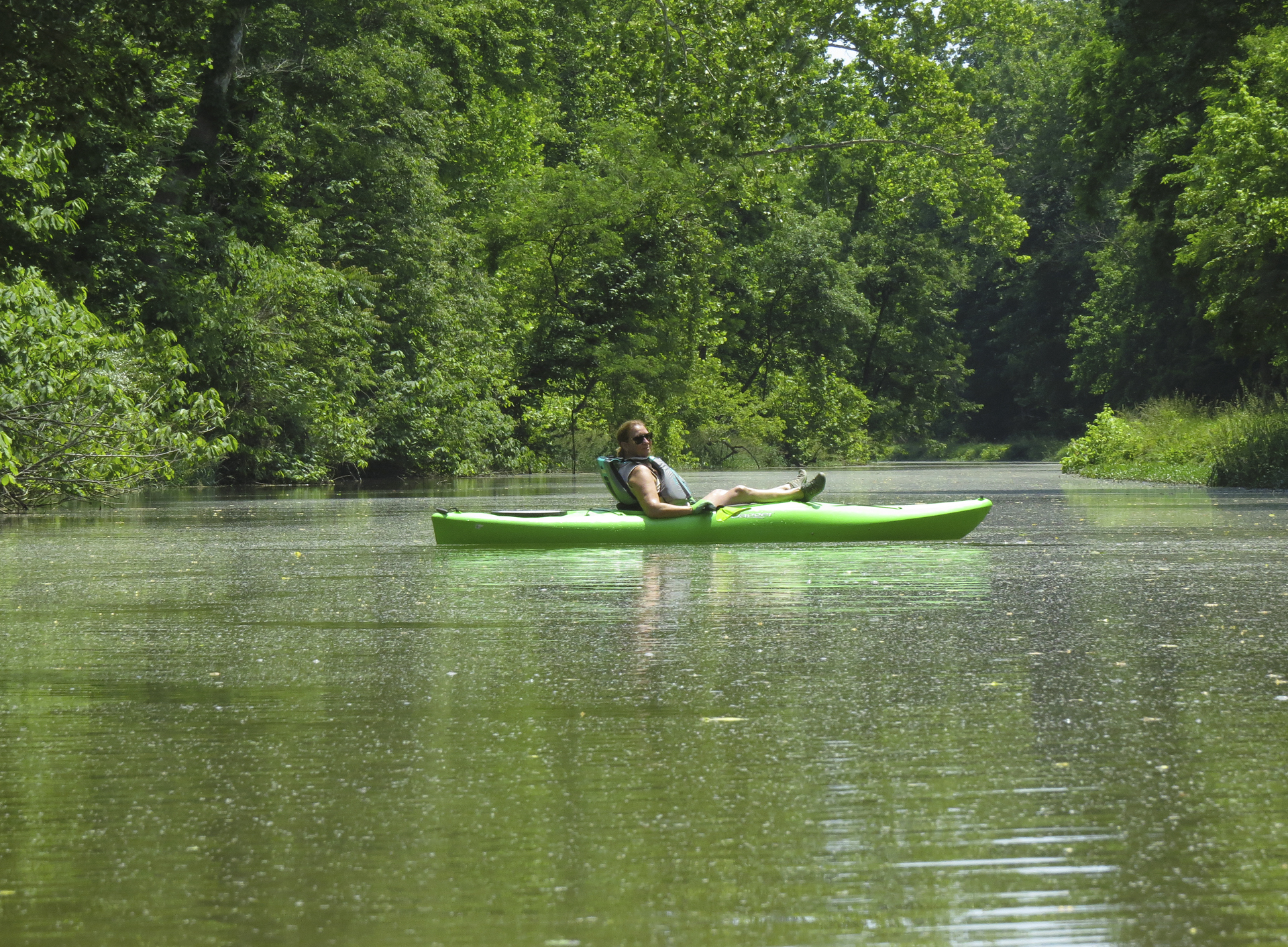 kayaking-women-outdoors-adventure-sports-kayaking-maryland-water-nature-outdoors-c&o-canal-potomac-river