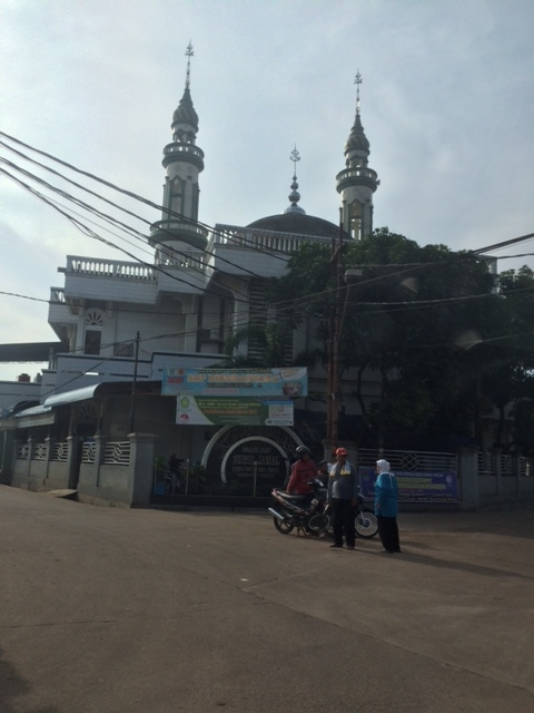 Driving to the assembly meeting place which is a housein a residential area. There are many mosques large and small.