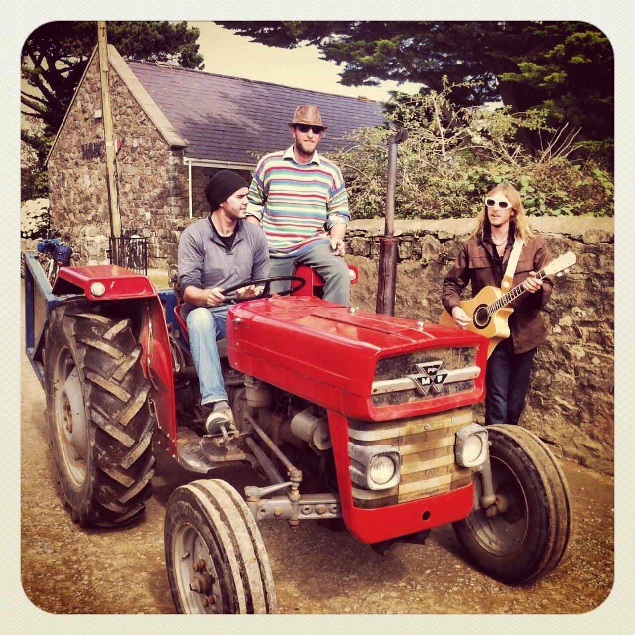 TractorRecks.jpg