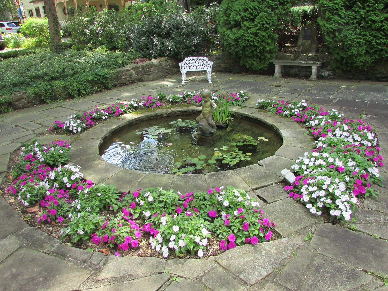 Bishop_s Fountain.jpg