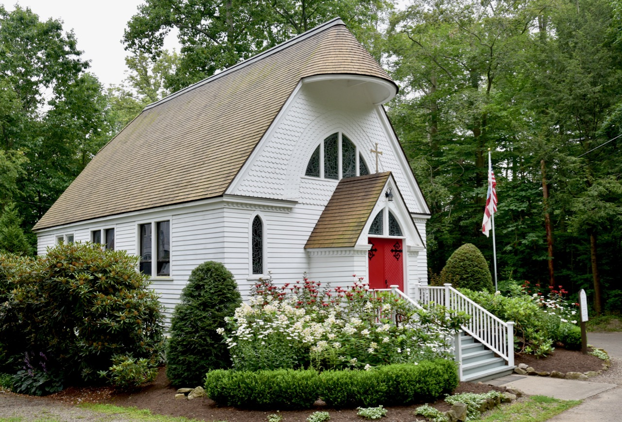 The Episcopal Chapel of the Good Shepherd - Visit the renovated interior. Stop in and relax listening to music on house tour day.