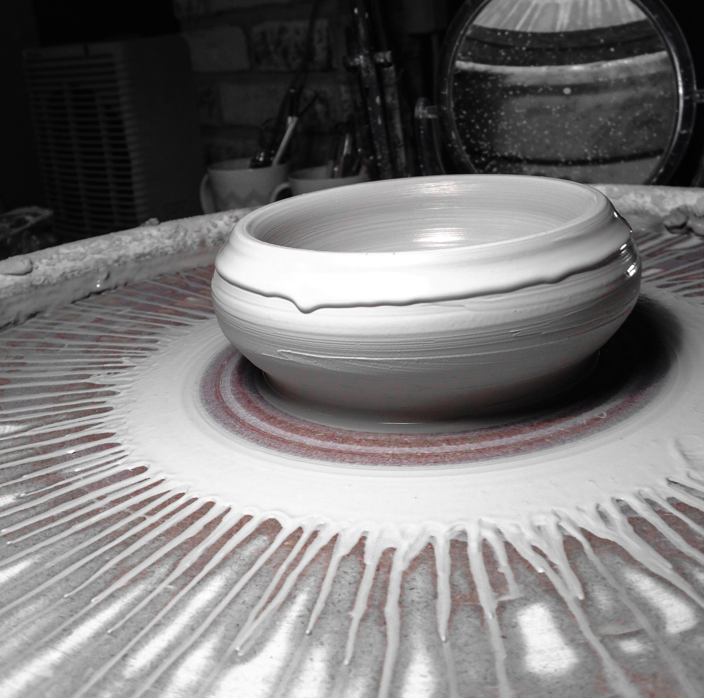 Making a porcelain bowl