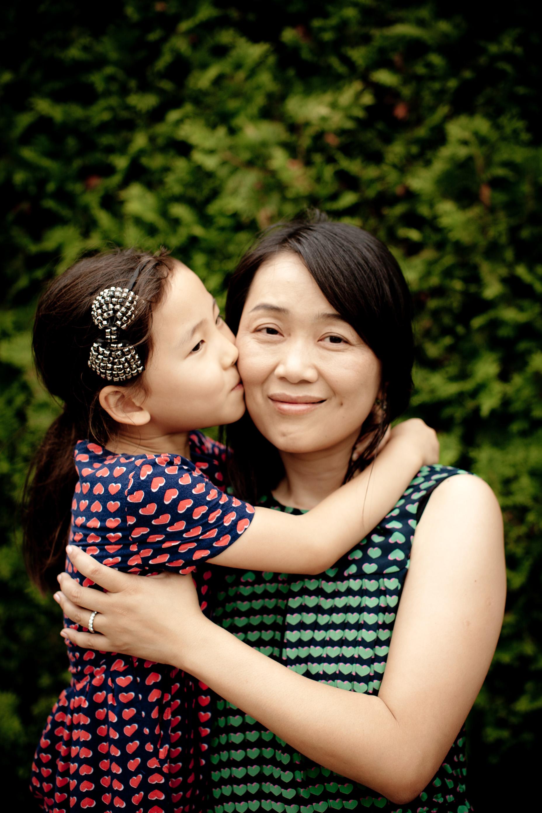 wendi & rudi lifestyle family photo session lurie gardens millenium park chicago blog-0006.jpg