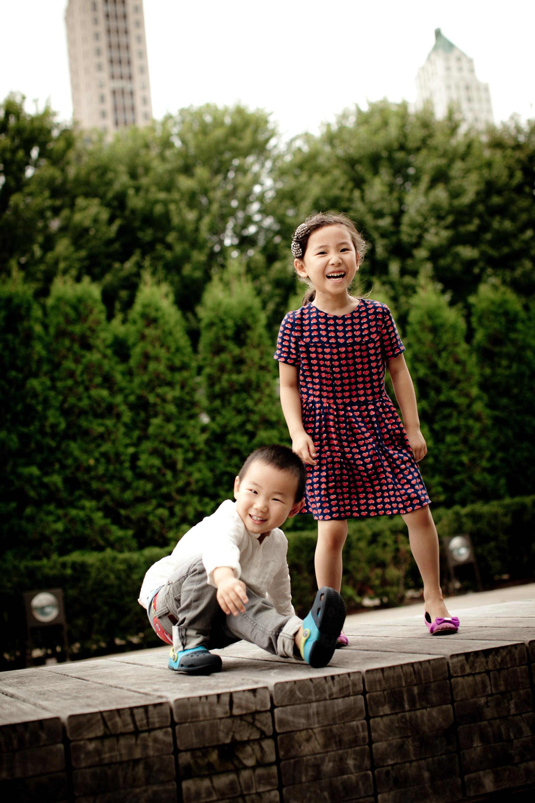 wendi & rudi lifestyle family photo session lurie gardens millenium park chicago blog-0009.jpg