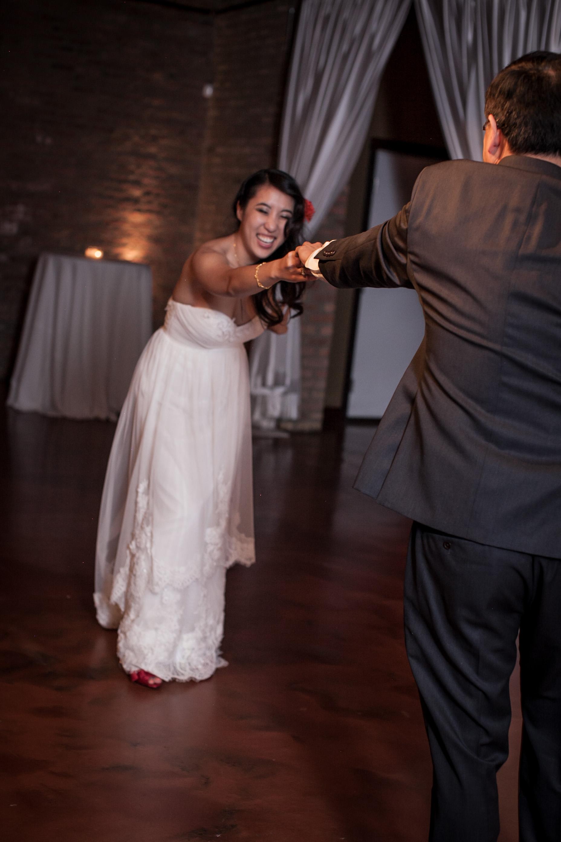 mayon & martin university of chicago loft on lake wedding summer -013.jpg