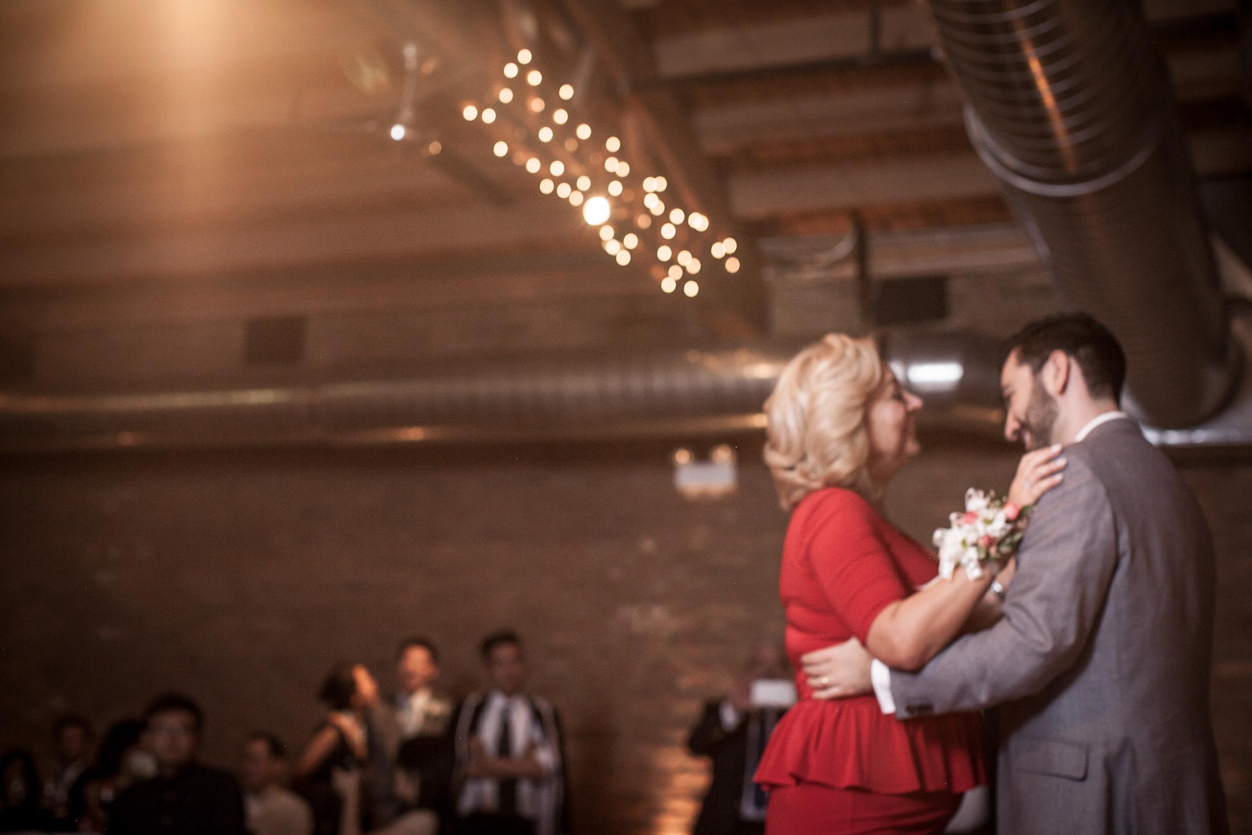 mayon & martin university of chicago loft on lake wedding summer -014.jpg