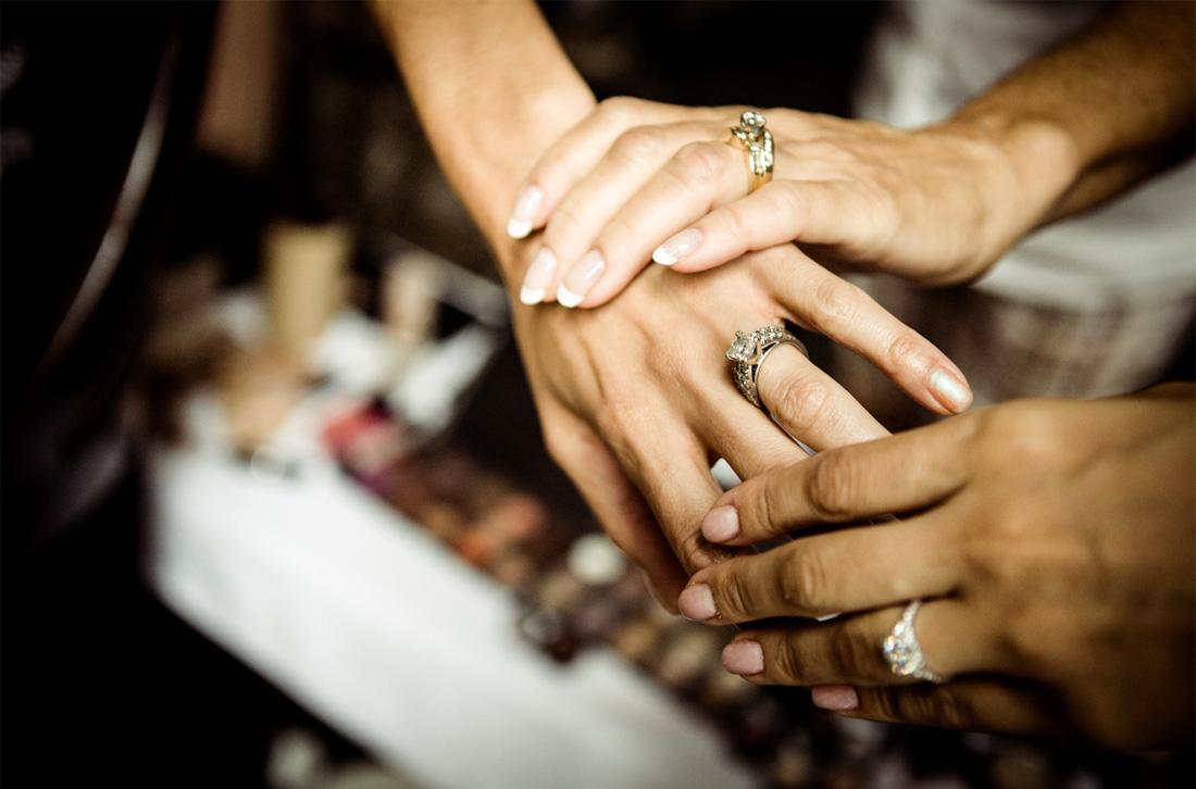 rose-photographics-wedding-portrait-rings.jpg