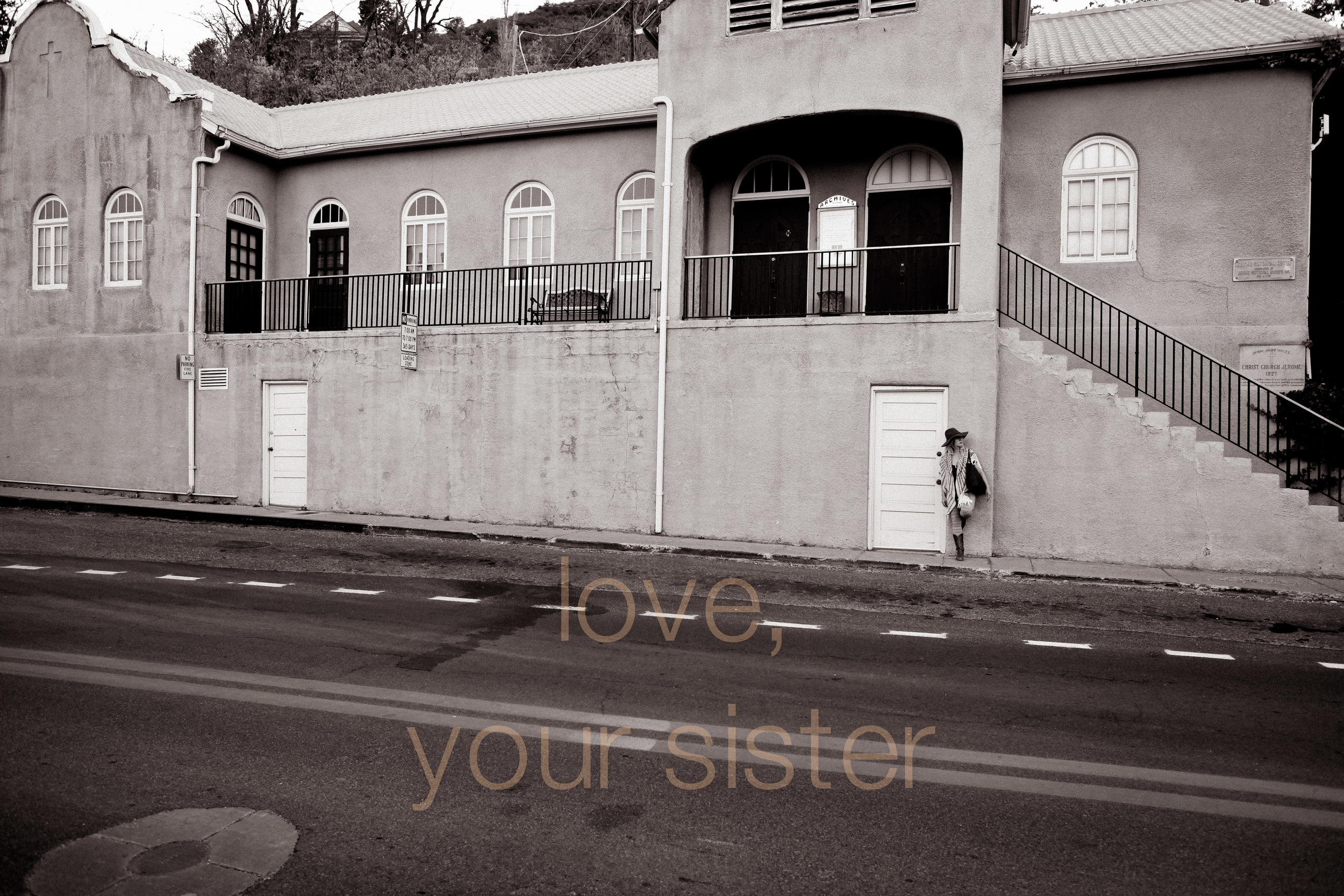 sister sedona soul search trip AZ big hat big heart photographer with love -0003.jpg