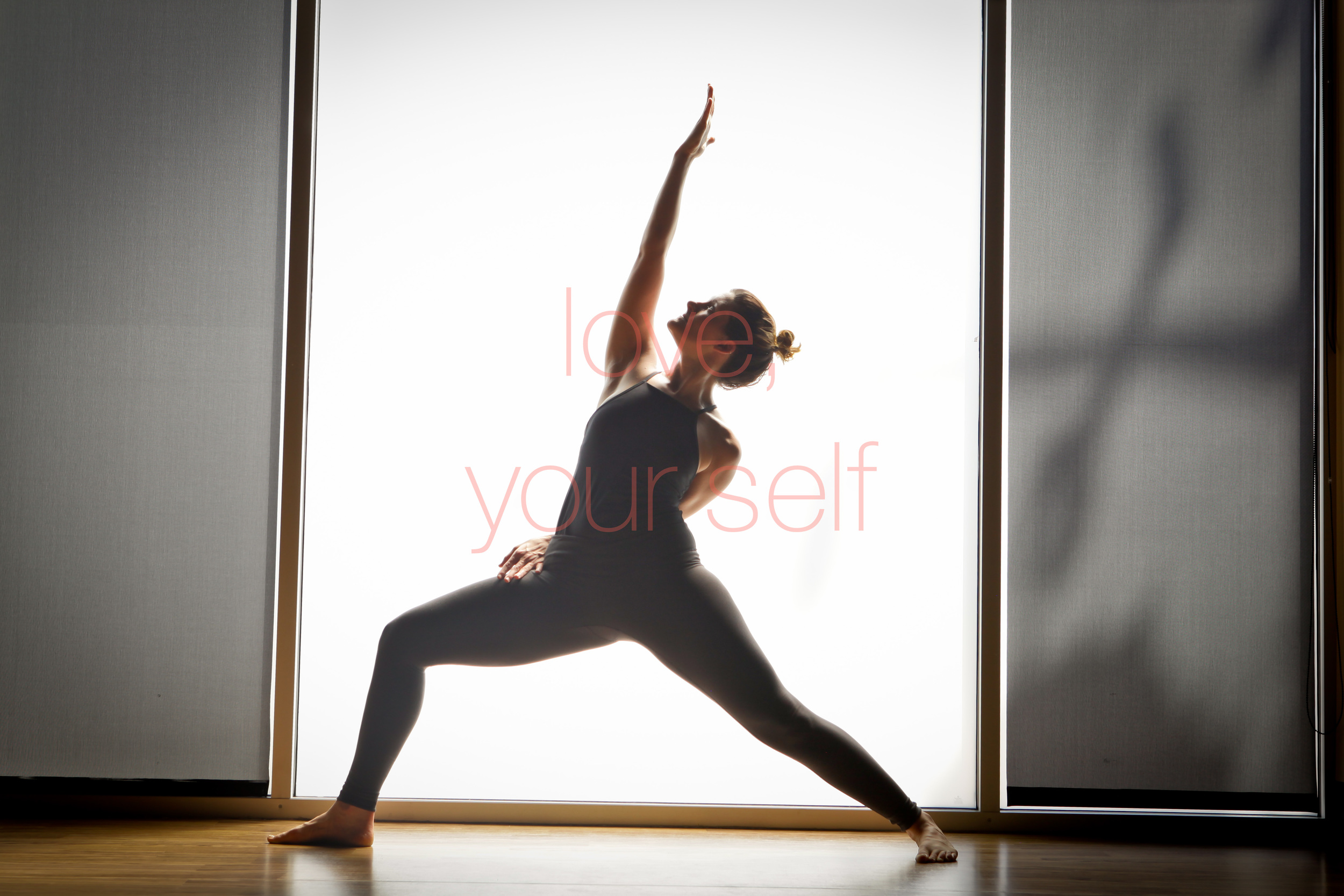 yogi inversions strength chicago yoga filtered light prime lens -0006.jpg