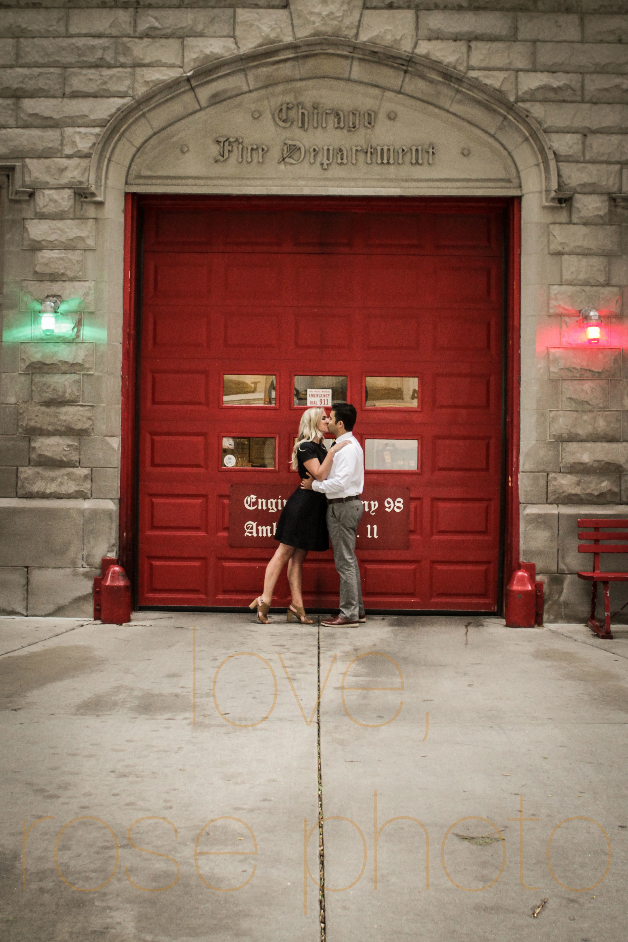 Amy + Ammar engagment shoot downtown drumbar magnificante mile chicago river wedding photographer-009.jpg